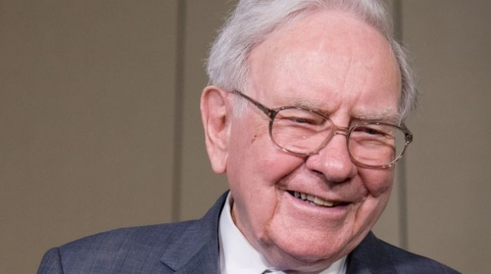نصيحة وارن بافيت لكيفية اختيار الأسهم قبل التداول والاستثمار